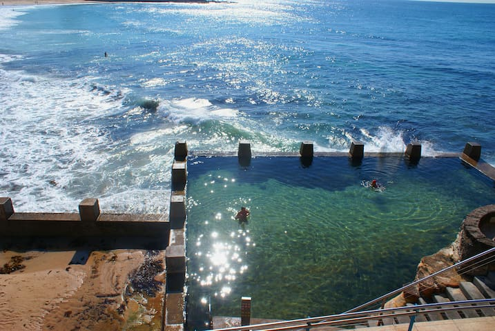 Apartment, Coogee Beach steps away. - Coogee - Departamento