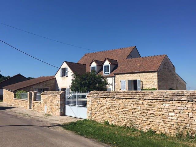 Grande maison, proche Beaune & Nuits Saint Georges