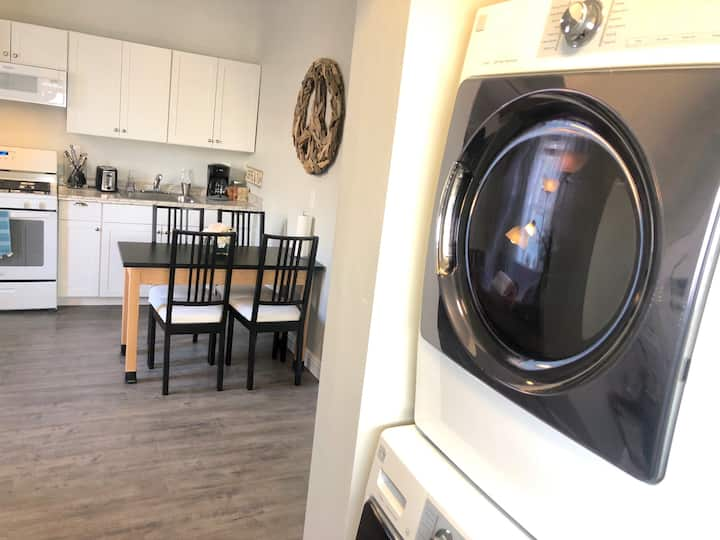 THE SUMMIT! Washer & Dryer, King Bed, Pet Friendly