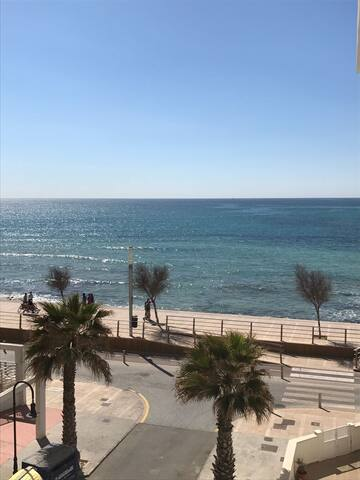 ruhiges Zimmer direkt am Strand/ habitación al mar - Palma di Maiorca - Bed & Breakfast