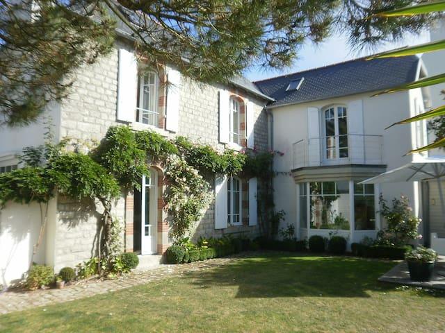 Bénodet-Villa des Mouettes-piscine - Bénodet - House