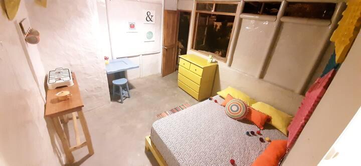 Linda habitacion con  baño,  wifi y cocina