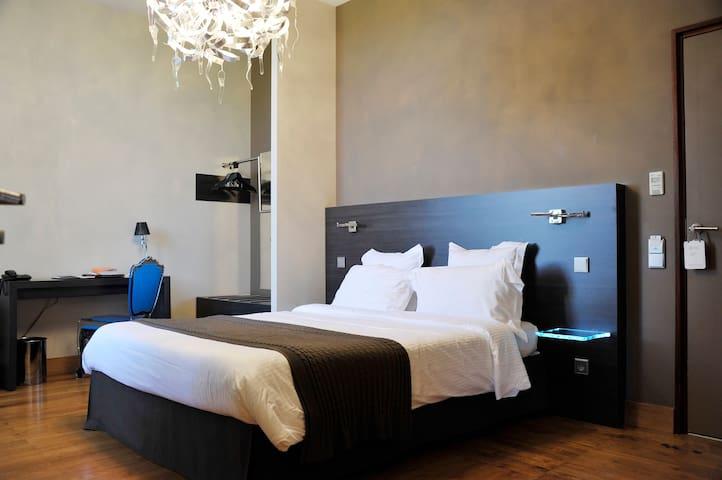 Chambre dans un Château - Villerest - Castelo