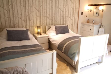 Peaceful, Luxury twin B&B room 7 mins to Totnes. - Dartington
