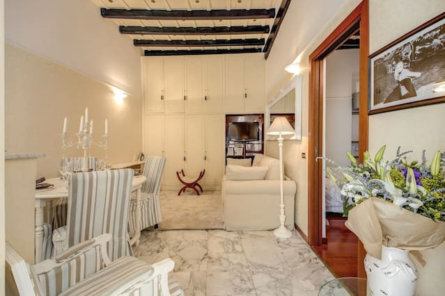Airbnb Palazzo Chigi Vacation Rentals Places To Stay