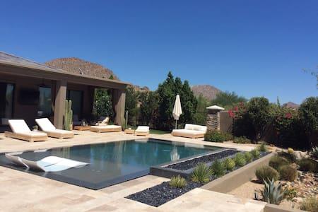 Luxury 1 Bedroom Guest House in North Scottsdale