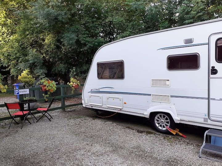 Cosy Caravan close to St Georges Park
