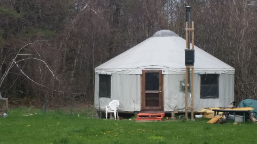 Yurt near Gorgeous Berkshire Hills - Ashfield