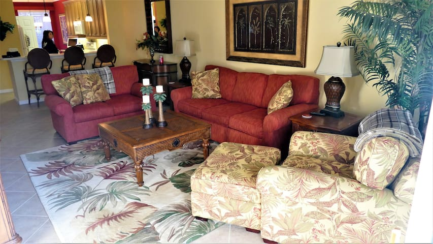 FRANK-Home;  Beautiful Apartment in Golf-Community