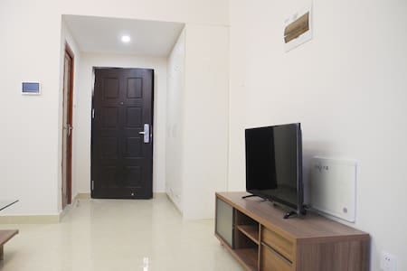龙华龙胜地铁口宽敞高层一房一厅  超值月租 - Shenzhen - Apartment