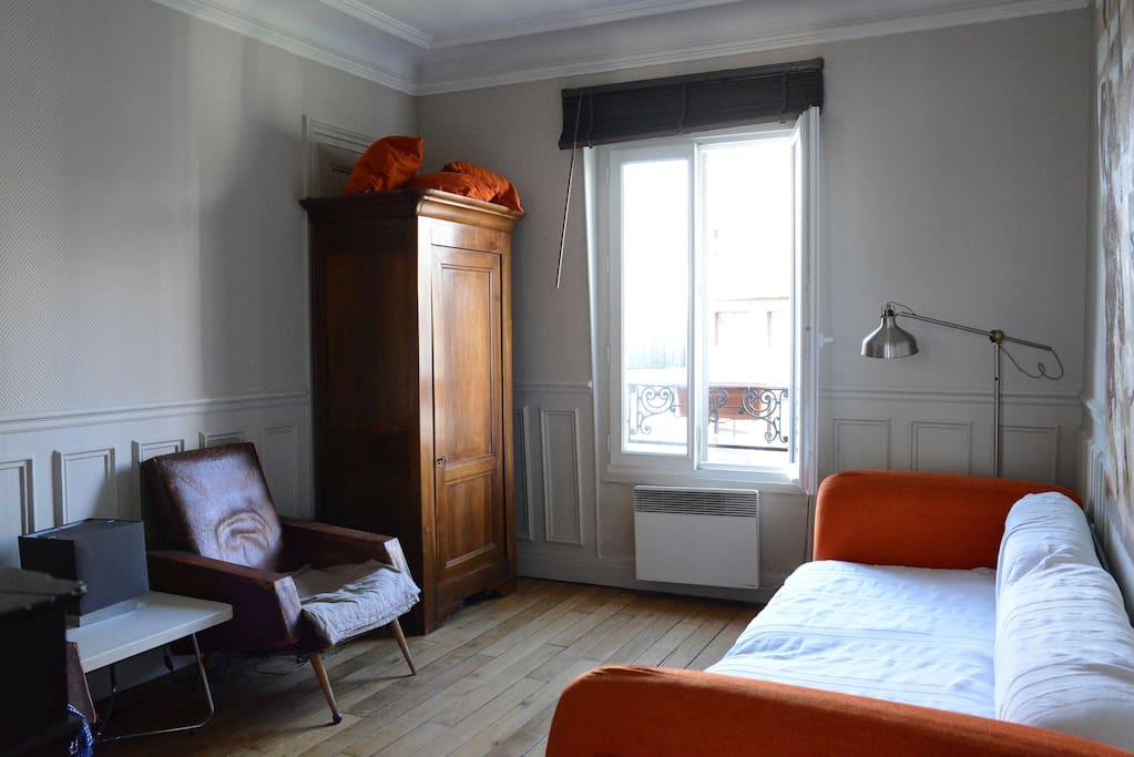 Chambre separee apt typique paris 2 appartements louer for Chambre a louer paris