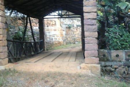 Casa finca típica colonial - San Gil
