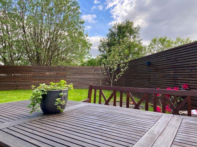 Spacious family house with sunny garden