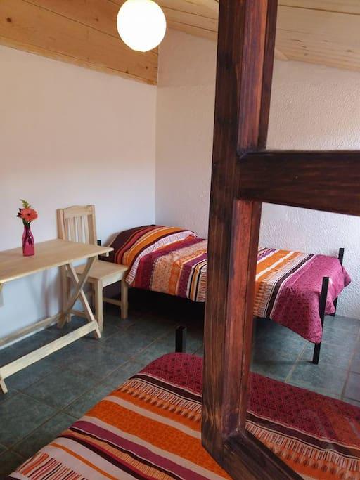 HUB Twin or Kingsize Room with shared bathroom