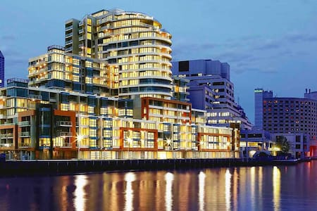Luxury by River, Crown, Convention - 达克兰(Docklands)
