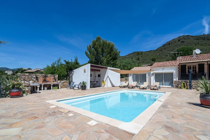 Beautiful villa in Roquebrun with heated private swimming pool