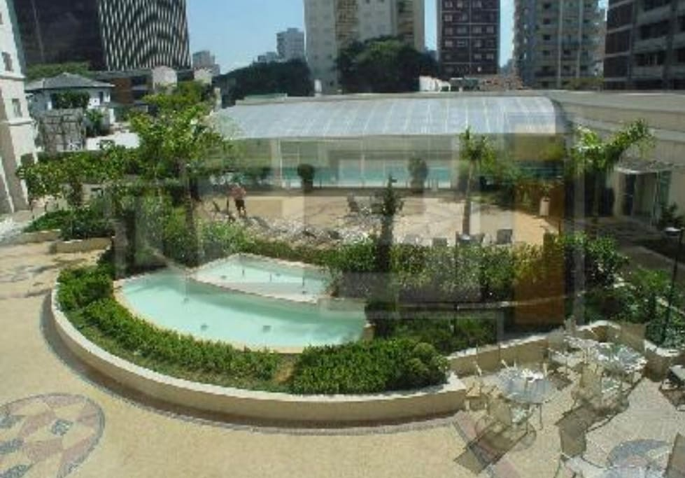 area de lazer com piscina aquecida, sauna e sala de ginastica