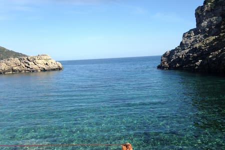Iris residence island Evia Greece - 아테네