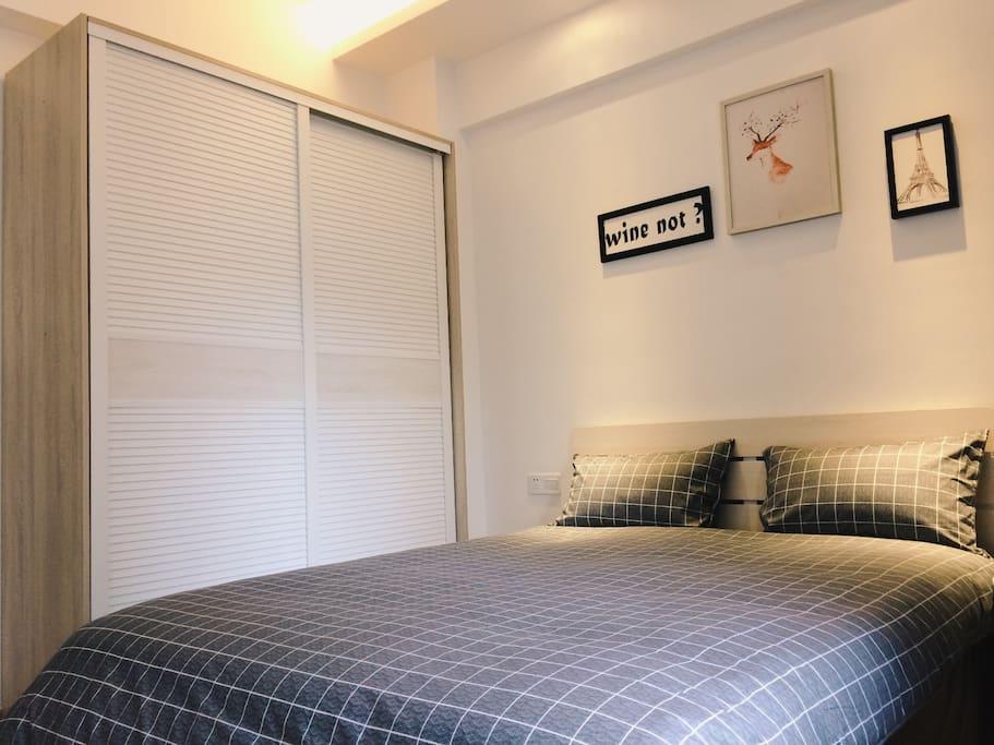 简约整洁的北欧风床单,柔软舒适