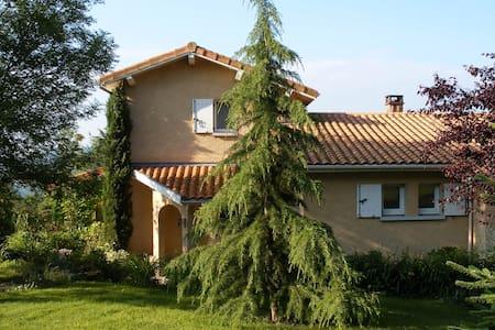 maison individuelle avec piscine - Villa