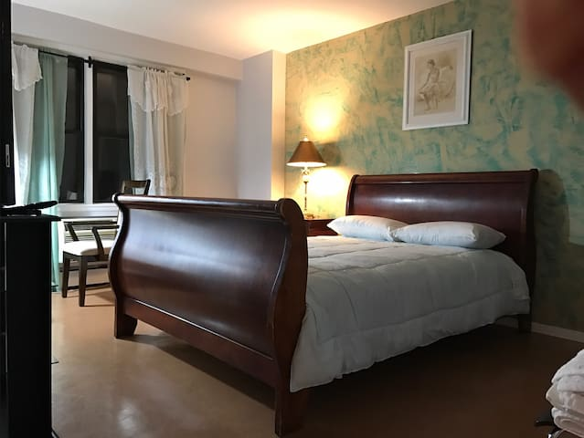 Huge Room for 2 people - Queens - Apartemen