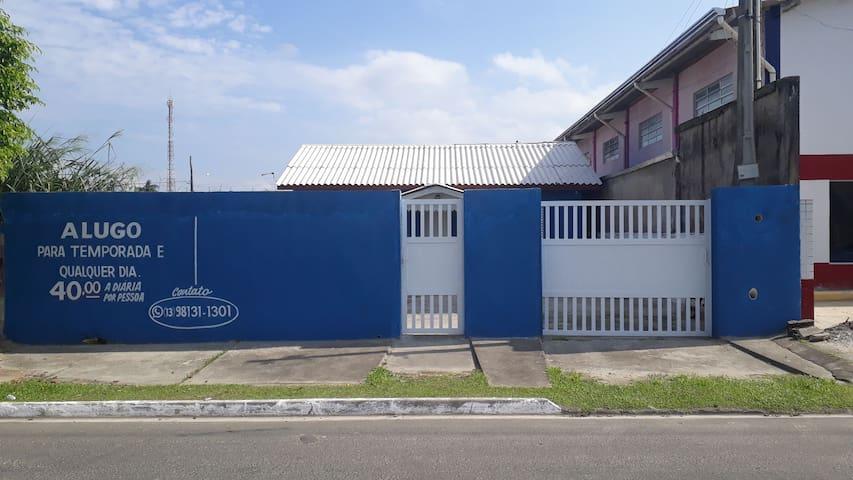 Casa na principal Av. da Cidade