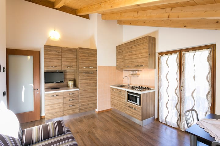 Refined apartment for couples - Pieve di Ledro - Lejlighed
