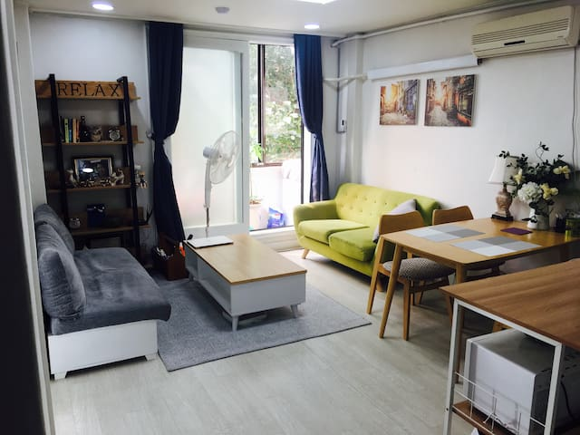 For guest with single bed in Seoul Myengdong