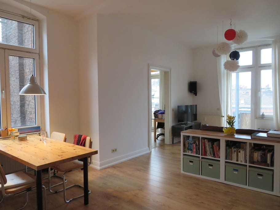 gro z gige und ruhige altbauwohnung wohnungen zur miete. Black Bedroom Furniture Sets. Home Design Ideas