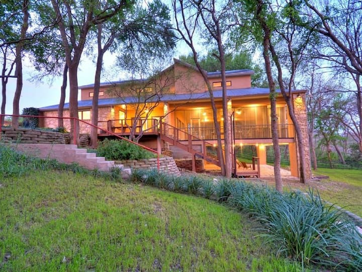 Stunning River Home, 5/5, 200' River Front