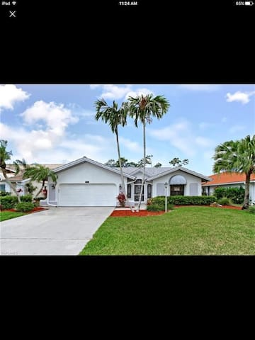Renovated home in the middle of Naples!