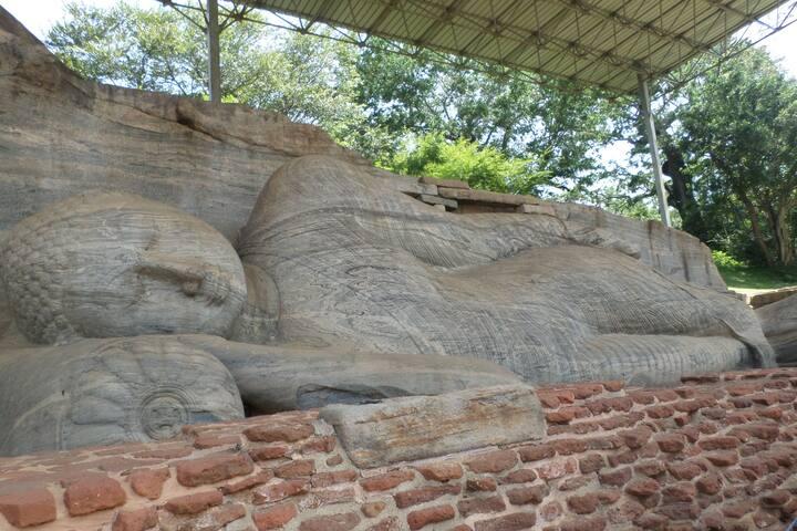 gal viharaya,prakrama samudraya,canals,lakes