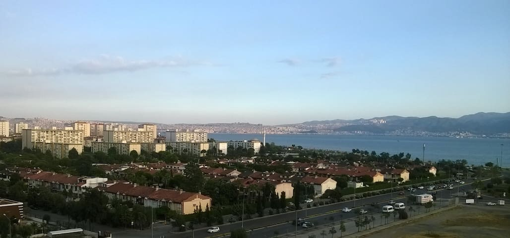 Big House with beautiful sea view - İzmir - Flat