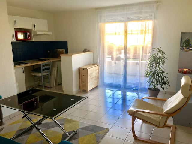 Cosy apartment with private parking (2-4 pers) - Biganos - Apartment