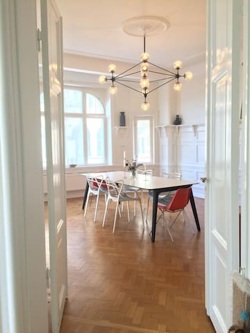 Spacious and elegant living in central of Malmö - Malmö - Pis