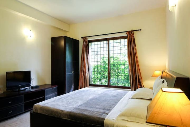 En-Suite private room in the heart of nature - Rajarhat - 別墅
