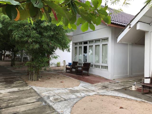 Labu Labi Residence - Family Room 5
