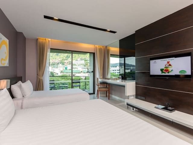 The Charm resort, Patong, Phuket - Deluxe Room(2)