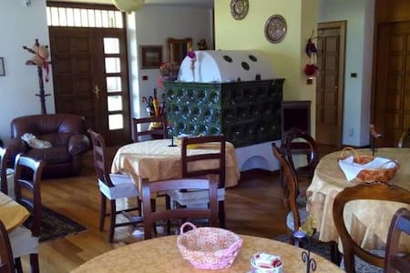 country triple room in Cavalese - Cavalese - Bed & Breakfast