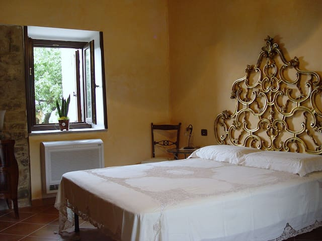 B&B Casale San Martino Camera Quadrupla - Laureana Cilento - Penzion (B&B)