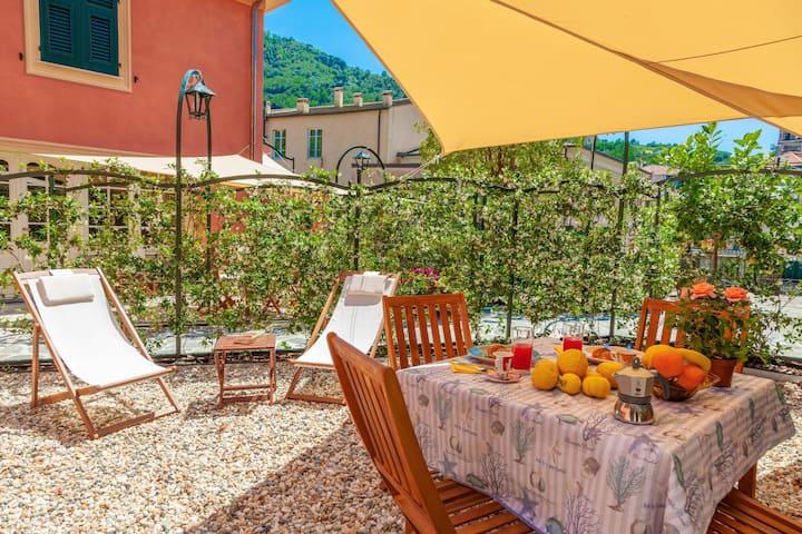 Ziguela, квартира для 4, с садом, в 200 м от пляжа, в старом городе Леванто 11017LT608
