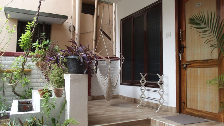 Silver Moon Guest House A/c