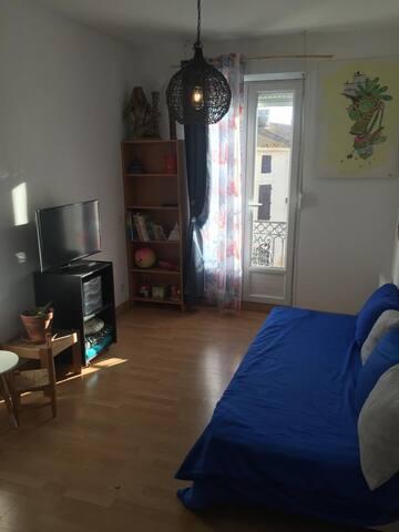 Appartement très joli , village très calme..