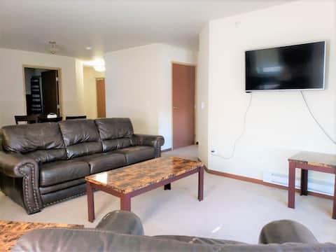 WC-Fully furnished 2 bed/2 bath 2-202