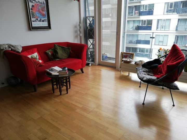 Stor lejlighed i Ørestad, nær Bellacenter og metro