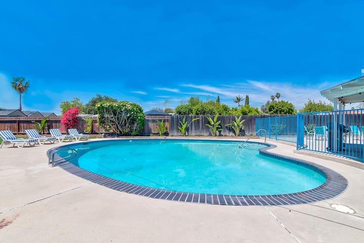 Pool Home Sleeps 14! DLand/Knotts/Conv