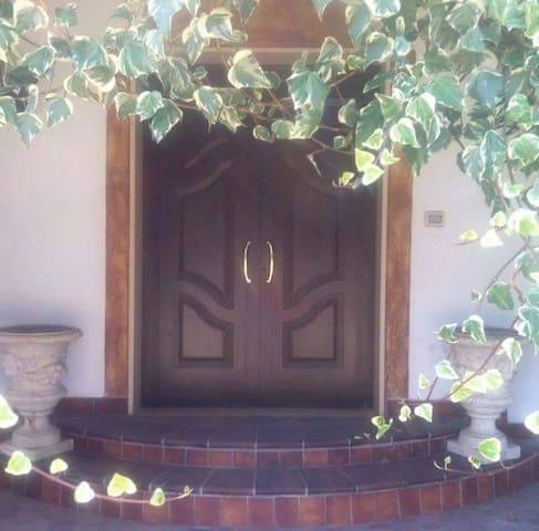 VILLA CARMEN APARTAMENTS A POCHI KM DAL MARE - Bernalda - Villa