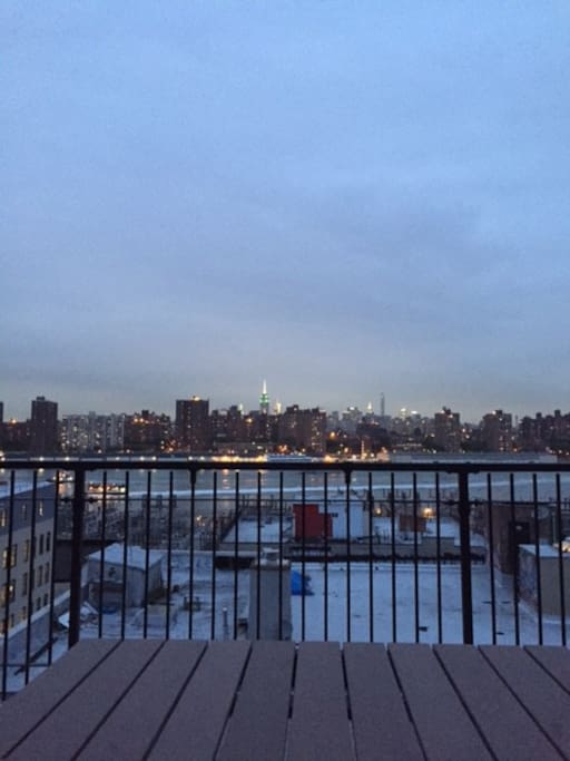 shared roof deck with manhattan views