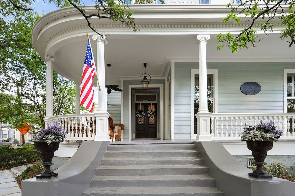Cozy Garden District Getaway Bed And Breakfasts For Rent In New Orleans Louisiana United States