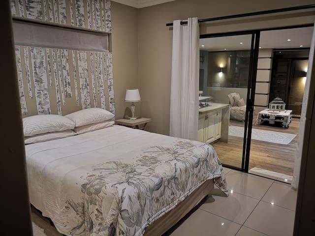 JHB South Glenvista short-long term stay Apartment